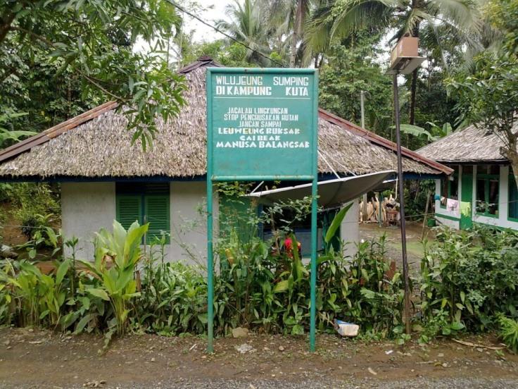 kampung-adat-kuta